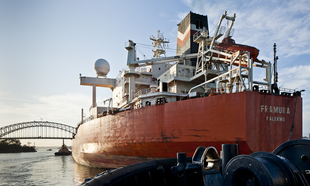 s-industrial-shipping-tugboat-sydney-harbour